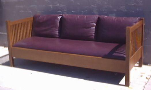 Sofa Craftsman Stickley Boxy Spindle